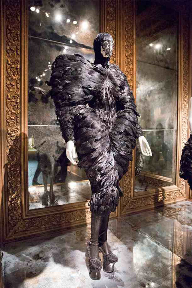 alexander-mcqueen-savage-beauty-london-06